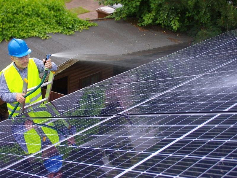 Solaranlage reinigen