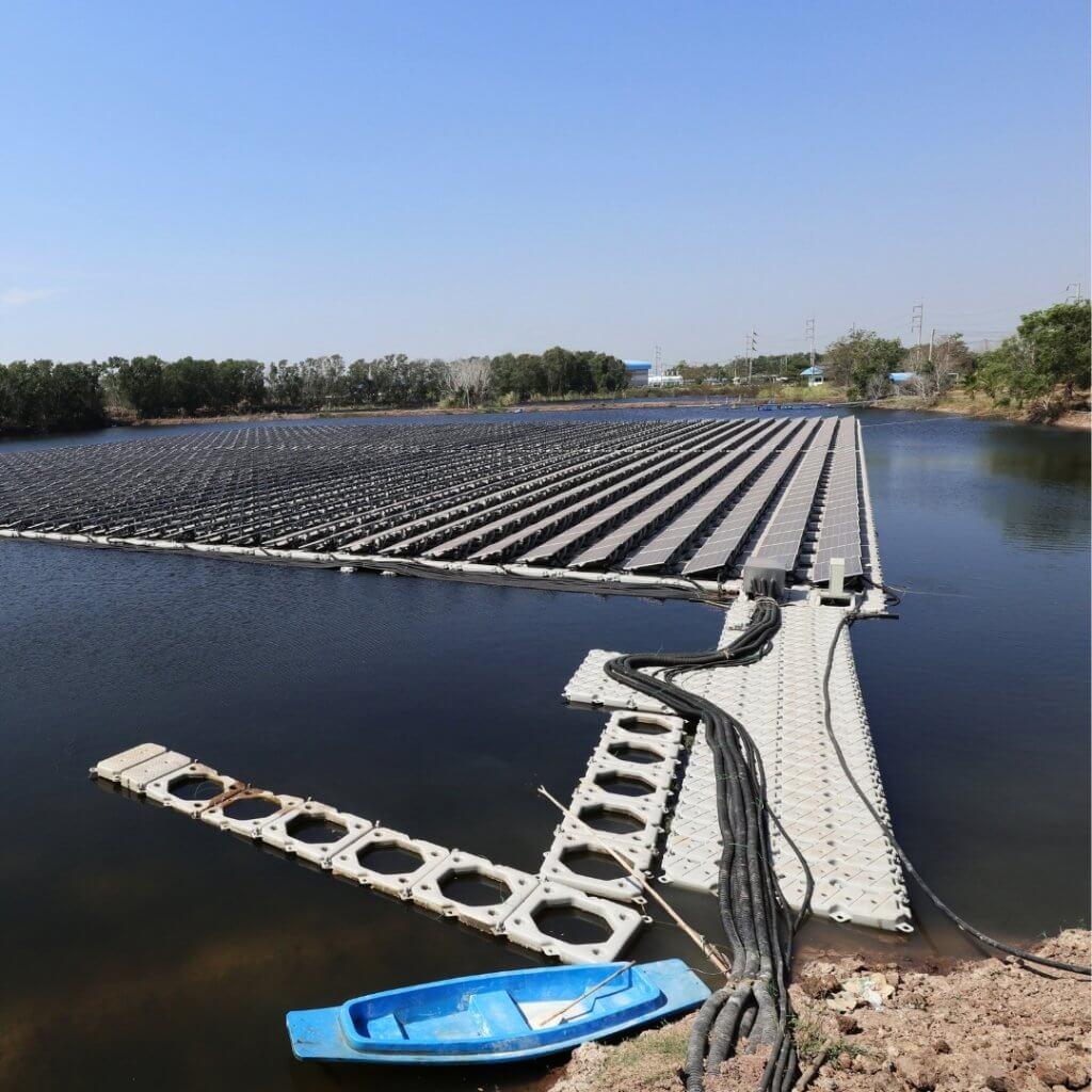 Floating PV-Anlagen sind Solaranlagen auf dem Wasser.