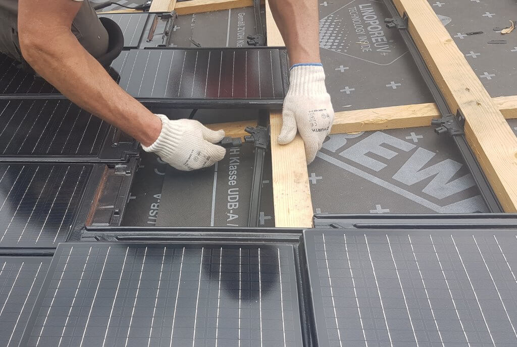 Solardachziegel Montage